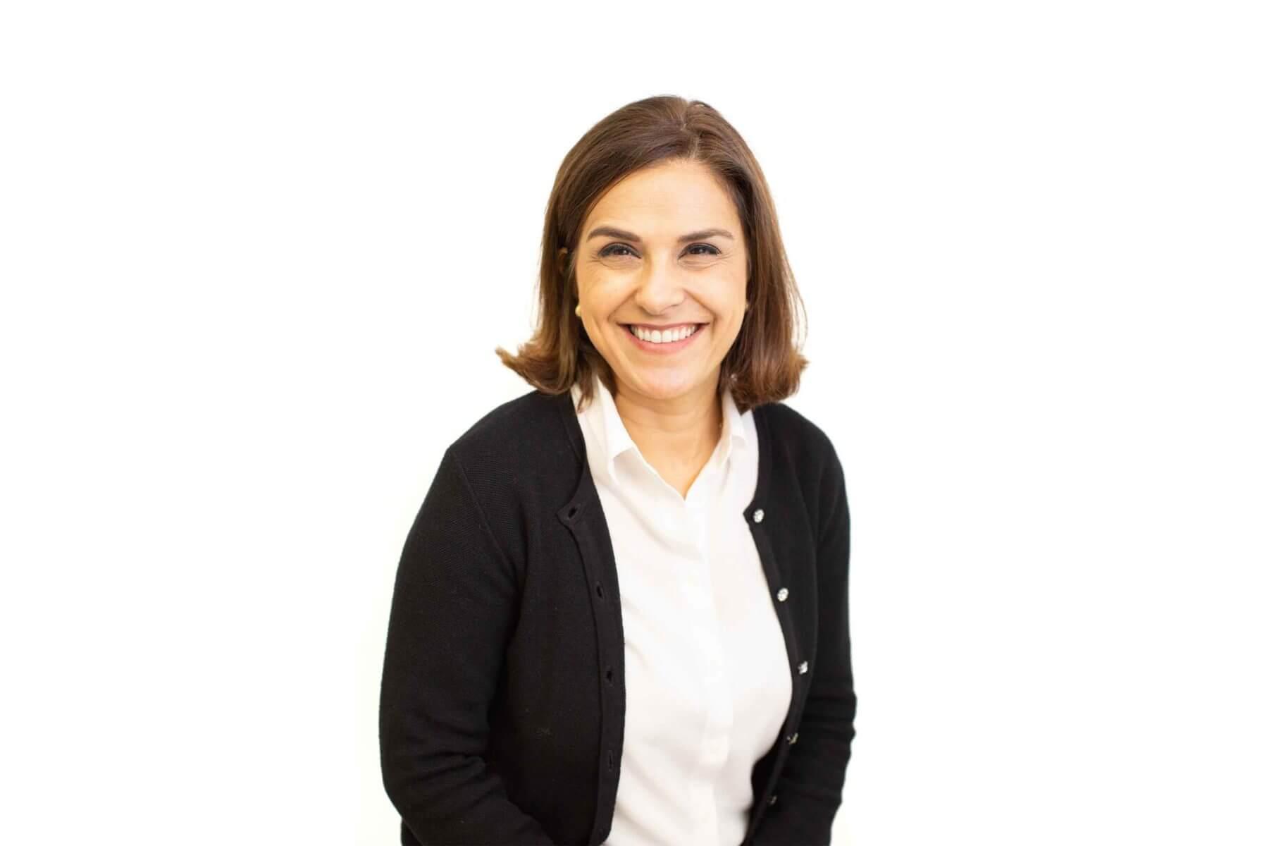 Dr Pardis Momeni
